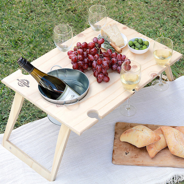 PICNIC TABLE – BANQUET WITH BUCKET -